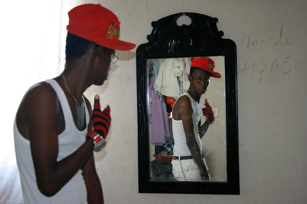Gangster mirror
