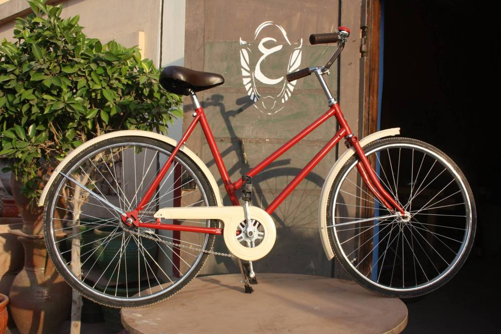 ain bicycle red